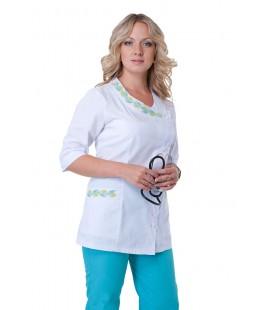 Медицинский женский костюм с вышивкой (зеленый) К-2254